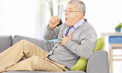Постоянный кашель с отделением большого количества гнойной мокроты – одно из проявлений пылевого бронхита 3 стадии