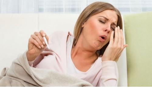 Сухой кашель - симптом воспаления верхних дыхательных путей