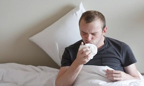 Характерный признак грибкового бронхита - сухой, «раздирающий», непродуктивный кашель