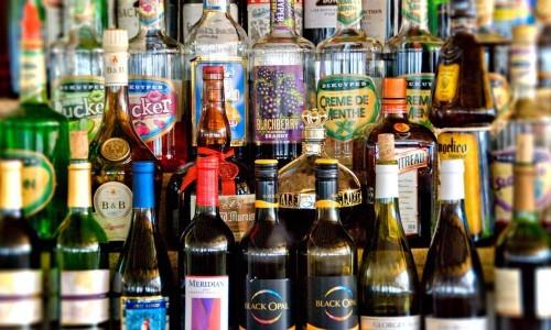 Если одновременно со спиртным проводить лечение Ацетаминофеном, то происходит накопление продуктов метаболизма