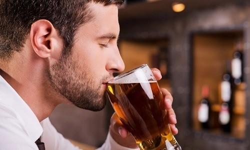При употреблении умеренного количества алкоголя препарат не оказывает сильного негативного влияния на организм