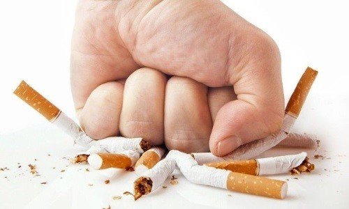 При отказе от курения можно снизить частоту обострений бронхита