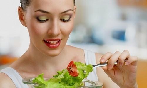 Прием пищи не оказывает влияния на всасываемость активного вещества препарата в стенки ЖКТ