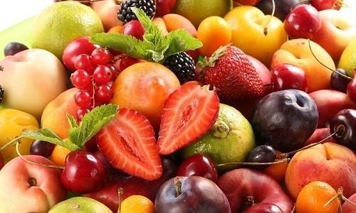 Больному бронхитом следует употреблять больше свежих фруктов