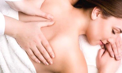 При лечении хронического бронхита применяется массаж грудной клетки