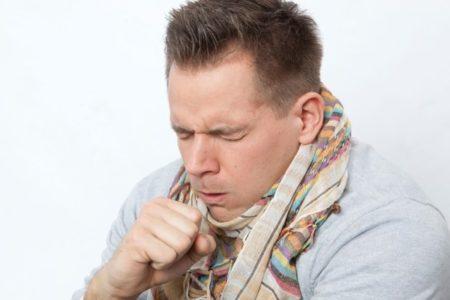 Главный симптом болезни - частый кашель