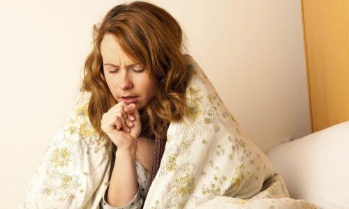 Главный симптом бронхита — кашель, который может продолжаться от 1 месяца до нескольких лет