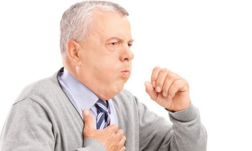 При развитии патологического процесса пациента беспокоит боль в грудной клетке и гнойная мокрота с прожилками крови