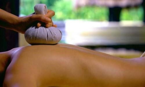 Компресс с медом применяют для терапии простудных заболеваний, которые сопровождает кашель