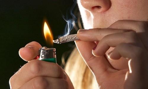 У подростков трахеобронхит может появиться в результате курения