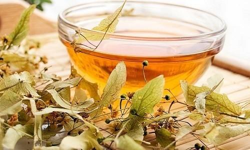 Больному бронхитом полезно пить чай с липой