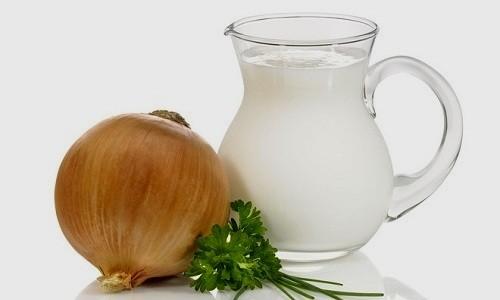 Смесь молока с луком при бронхите укрепляет иммунитет, избавляет от кашля и улучшает дыхание
