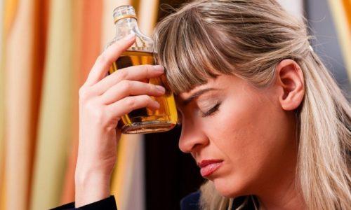 Использование Коделака категорически запрещено при алкогольной зависимости, протекающей в хронической форме
