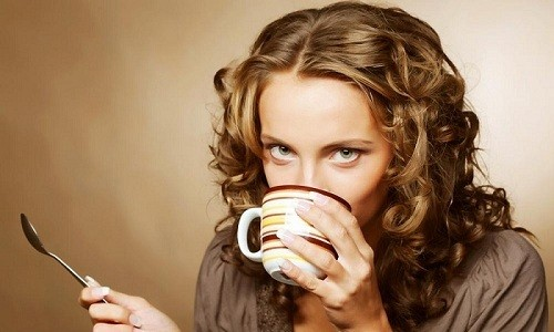 Чтобы добиться необходимого эффекта, напиток из молока и меда лучше принимать в теплом виде