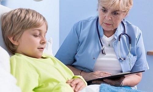 Если кашель не проходит в течение месяца, то стоит обратиться к педиатру для выяснения причин