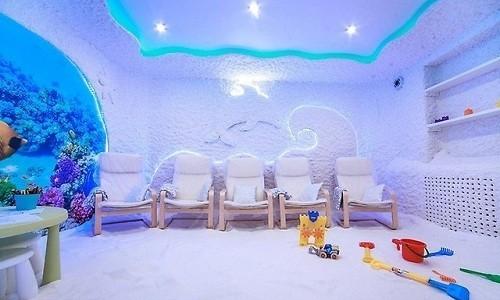 Детям при лечении аллергического бронхита рекомендуется посещать соляные комнаты