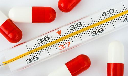 Противопоказаниями к проведению паровых ингаляций являются повышенная температура тела, при развитии лихорадочного синдрома проведение процедур откладывают до стабилизации состояния пациента