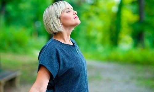 При любой форме болезни применяют дыхательную гимнастику