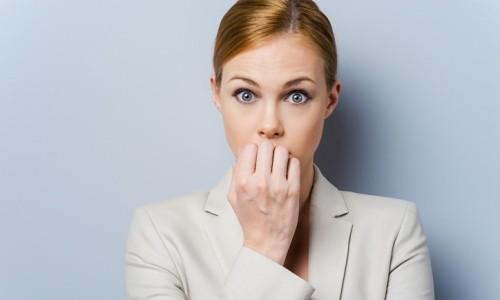 Одним из источников появления выделений с прожилками крови является заболевание полости рта