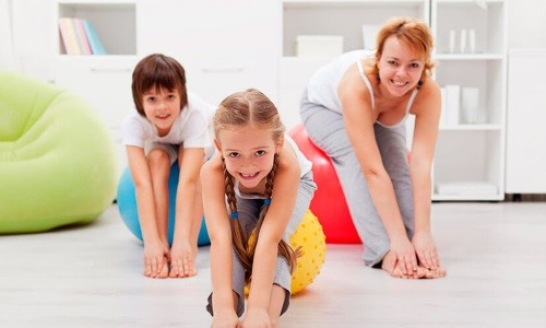 Упражнение повторяют 4-6 раз, при необходимости делают перерывы